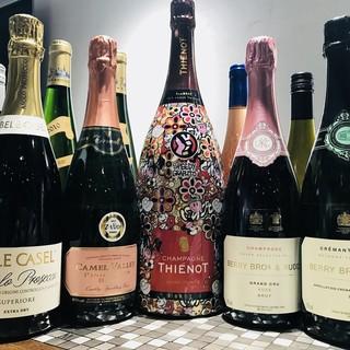 フランス、イタリアを中心に良質なワインをお手頃価格でご用意!