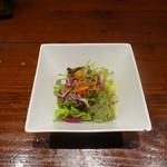 78283220 - 揚げ鶏和風ソースかけとチキン南蛮のハーフ&ハーフランチ(1,000円)、サラダ