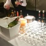 クルーズ・クルーズYOKOHAMA - ドリンク写真:飲み放題のお酒は見た目で美味い!