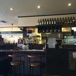 イタリアンカフェ ピアチェーレ - こちらはカウンター席