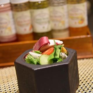 雲仙 福田屋 - 料理写真:サラダ 奥のドレッシング選んで