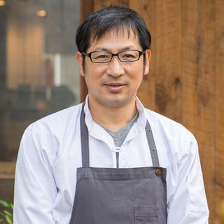 橋本宏一氏(ハシモトコウイチ)―驚きと喜びに満ちた料理
