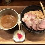 いかれたヌードル フィッシュトンズ - 濃厚チャーシューつけ麺