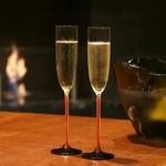 フレンチごはん 西麻布 GINA - 暖炉の火に包まれながら優雅にシャンパンを
