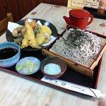 やぶ茂 - 料理写真:天ぷらそば