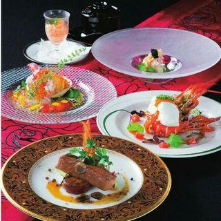 選りすぐられた食材・調味料を使った料理は、どれも秀逸◎