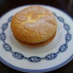 お菓子の蔵 太郎庵 - 料理写真:ブッセですが冷やして食べると美味い