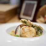 ヤナカ スギウラ - 温かい前菜 菜の花のミネストローネ ホタテのソテーと唐辛子のフリット