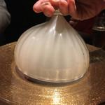 焼肉 うしみつ - 燻製中