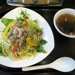 赤湯 とんとんラーメン - 青唐塩焼きそば 730円