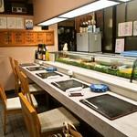 大久寿司 - 店内(カウンター席)