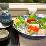 大久寿司 - お造り盛り合わせ & 燗酒