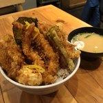 天吉屋 - 天吉丼とセットの味噌汁('17/12/22)