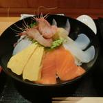 おさかな食堂 くろべえ - 料理写真:おまかせ海鮮丼