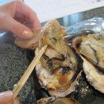 牡蠣屋 - 何もつけなくても海の香りがします
