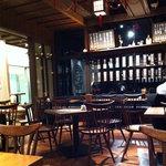 寿司の磯松 - 雰囲気のよい店内!