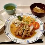 ベル・ハート - 料理写真:日替わりの定食 油淋鶏と野菜のカレー炒め