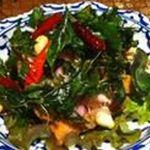 揚魚のタイハーブサラダ(ヤムプラーソムンパイ)★