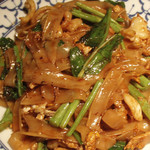 野菜入り太麺の焼きそば(パッシーユ)