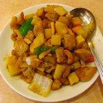 金龍飯店 - 鶏肉とカシューナッツの炒め