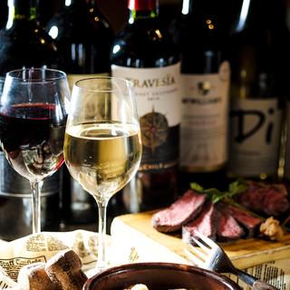 常時40種以上!世界各地から取り寄せた厳選ワイン