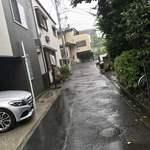 薬膳スープカレー・シャナイア - 薬膳スープカレー・シャナイア(東京都目黒区三田)通りからお店へ