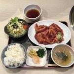 焼肉処 真 - 料理写真:中落ちカルビ焼肉ランチ 180g ¥1280
