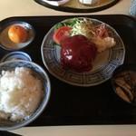 肉のやしろ 青木亭 - ハンバーグ定食800円