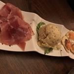肉バル×チーズバル カーネヴォー -