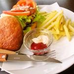 ライダースカフェ ストーリー - ハンバーガー
