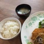 たべりcafe - 料理写真:世羅産のご飯とお味噌汁。