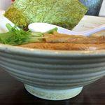 やま辰 - 鶏白湯らーめん。鶏そば やま辰 (愛知県岡崎市)食彩品館.jp撮影