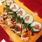 味の波止場 - 〆の巻き寿司と鯖寿司もひとりに一つ~_~;