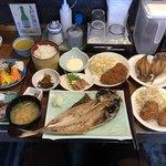 78378679 - 名物あじ定食、トッピング(ミニ生桜えび、ミニぶり塩焼き)、カリアゲひもの、カキフライ