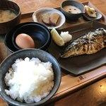 釜炊近江米 銀俵 - 焼塩サバ定食に卵かけセット追加で