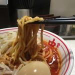 78382804 - 麺は太め。唐辛子がよーくよーく絡んでいます。