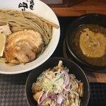 麺匠 中うえ  - チャーシュー丼(´∀`)濃厚つけ麺L