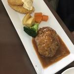レストラン美咲亭 - 下ののハンバーグ&エビフライ。
