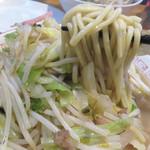 一鉄 - メニューに『麺なしチャンポン』が存在するのにも納得する位のコク旨チャンポンですよ。