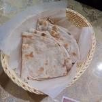 パキスタン・アラビアン・インド料理 デラ - タンドールロティ