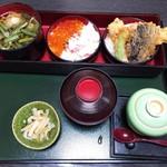 田園 - ミニ丼とミニそばセット 税込1512円