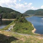 のんきや五平 - 阿木川湖 お店の横からの眺め