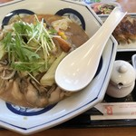リンガーハット - 料理写真:期間限定の牡蠣ちゃんぽん