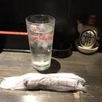 本場のさぬきうどん 徹麺 - 布のおしぼり