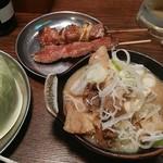 四文屋 鷺宮店 - 煮込みや串焼きです