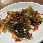 ノング インレイ - ノング インレイ(東京都新宿区高田馬場)牛スープそば(高菜付き)の高菜