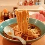 まつ田 - らーめん まつ田@旭川 醤油ラーメンの麺