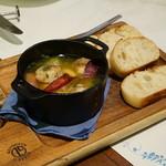 ピッツェリア パドリーノ・デル・ショーザン - 海老とホタテと季節野菜のアヒージョ