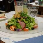 ピッツェリア パドリーノ・デル・ショーザン - 15種類の季節の野菜とハーブのサラダ