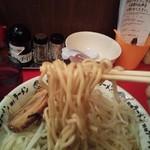 野郎ラーメン - 中太麺